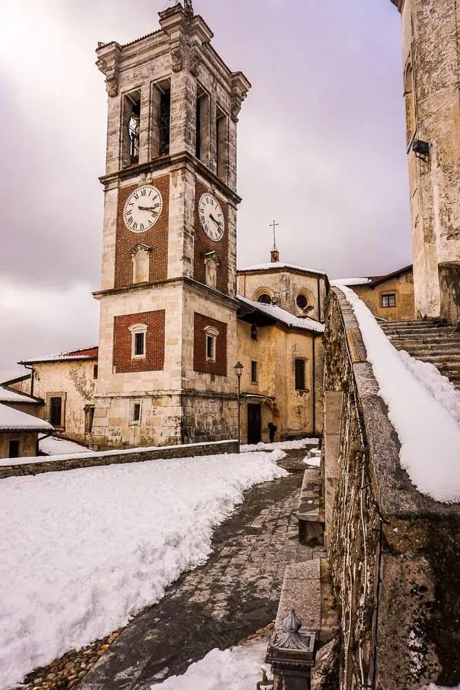 La torre del Santuario di Santa Maria del Monte