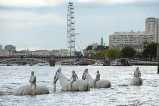 Rising Tide installment on River Thames