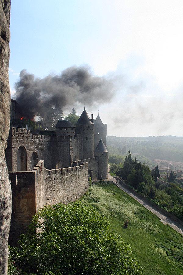 carcassonne-se-quema