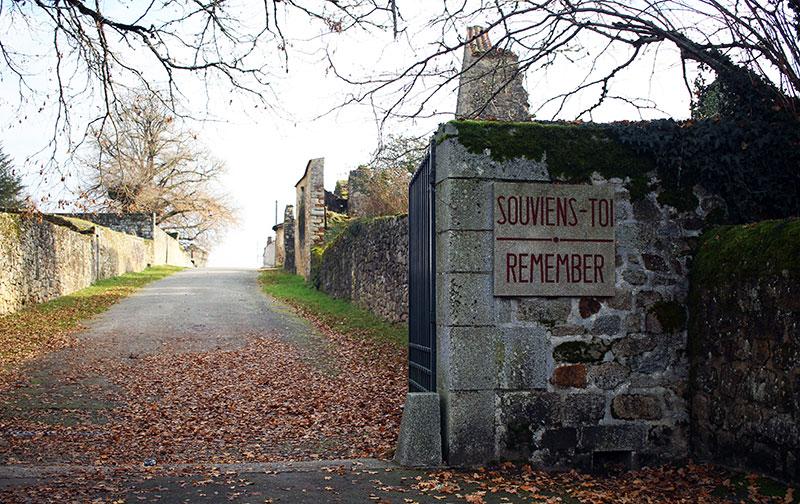 Oradour-sur-Glane, entrada a la villa