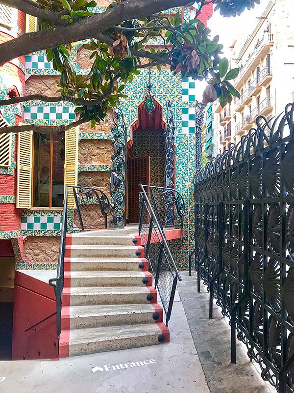 Entrada de Casa Vicens