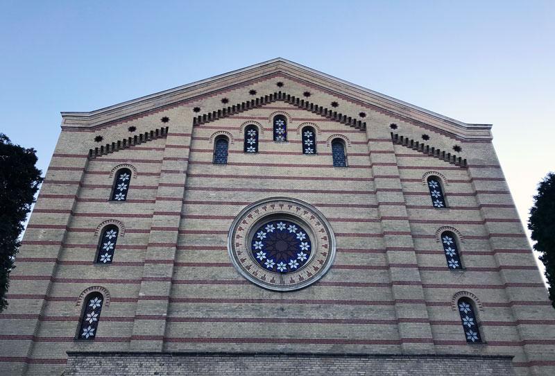Fachada trasera de la Gran Sinagoga de Budapest