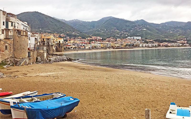 Cefalú es uno de los pueblos que visitar en Sicilia en una semana