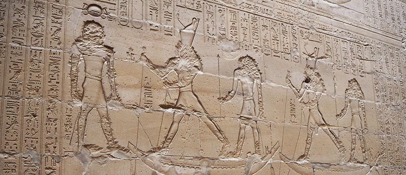 Los relieves del templo de Edfu y Kom-Ombo aportan mucha información de la época.