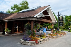 Niagara, Pillar and Post Inn