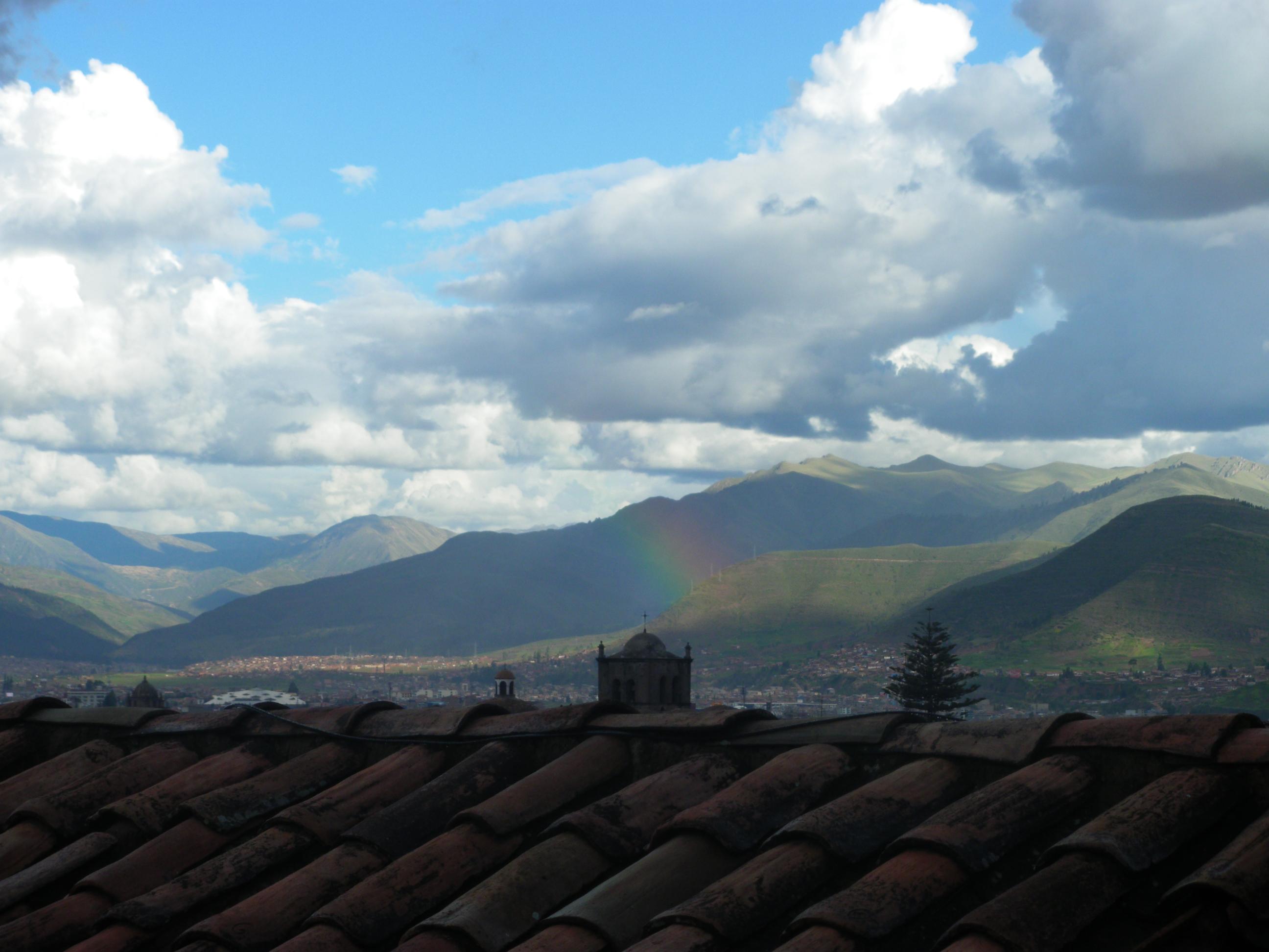 The cusqueñan flag is a rainbow...