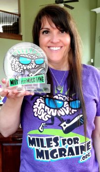 Michele receives award as board member for Miles for Migraine