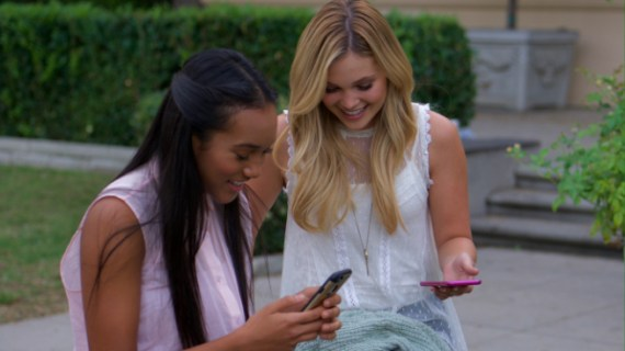 STANDOFF #18 - Sydney Park and Olivia Holt - Emerson (Sydney Park) and Amy (Olivia Holt) text in their entries to the contest.