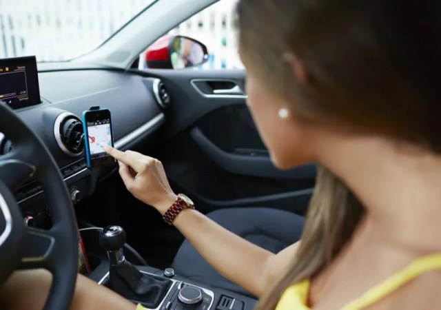 Types of support for carrying the phone in the car