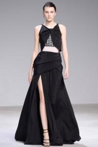 Giambattista Valli vestido negro con apertura ss16 París