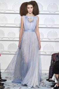 Schiaparelli vestido gasa en azul serenety ss16 París