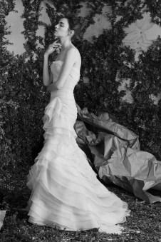 Carolina Herrera Novias Primavera 2017 modelo Ambroise B&N