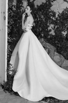 Carolina Herrera Novias Primavera 2017 modelo Amore B&N