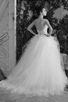 Carolina Herrera Novias Primavera 2017 modelo Ava B&N