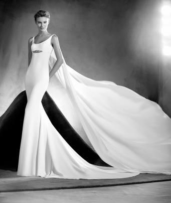 Vestido de novia modelo Edurne de Pronovias Atelier 2017