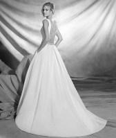 Vestido de novia modelo Olmedo de Pronovias 2017