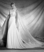 Vestido de novia modelo Oseleta de Pronovias 2017