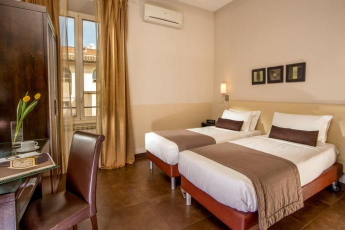 Hotel lowcost Roma Basilio 55