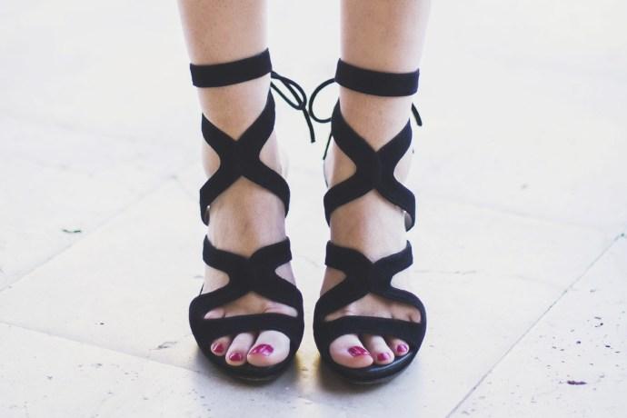 Sandalias negra tiras boda
