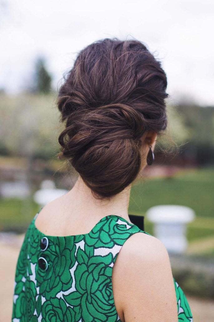 Peinado recogido moño bajo invitada boda