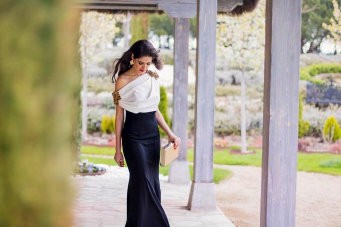 Look hermana de la novia con vestido de Carmen Horneros 8