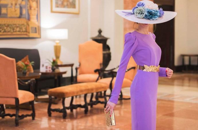 Look invitada boda vestido lila espalda Cho Atelier