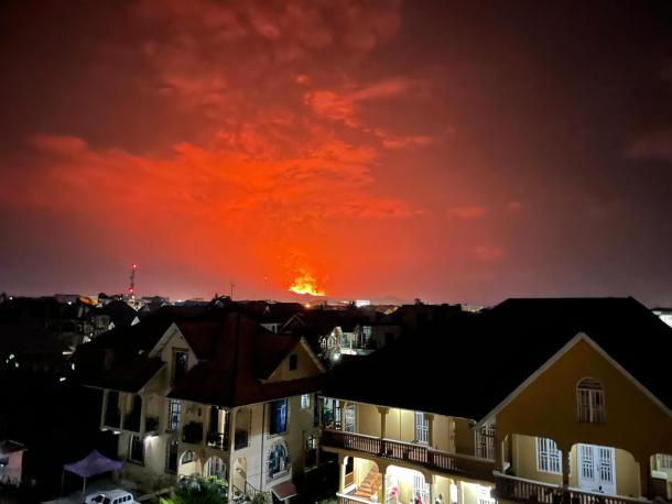 Vue de l'éruption du volcan Nyiragongo à partir de Goma.