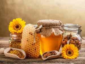 5. Ulei de măsline, miere și ulei de ricin