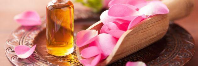 Află cum poți include uleiul de trandafiri în rutina ta de îngrijire a tenului și a părului