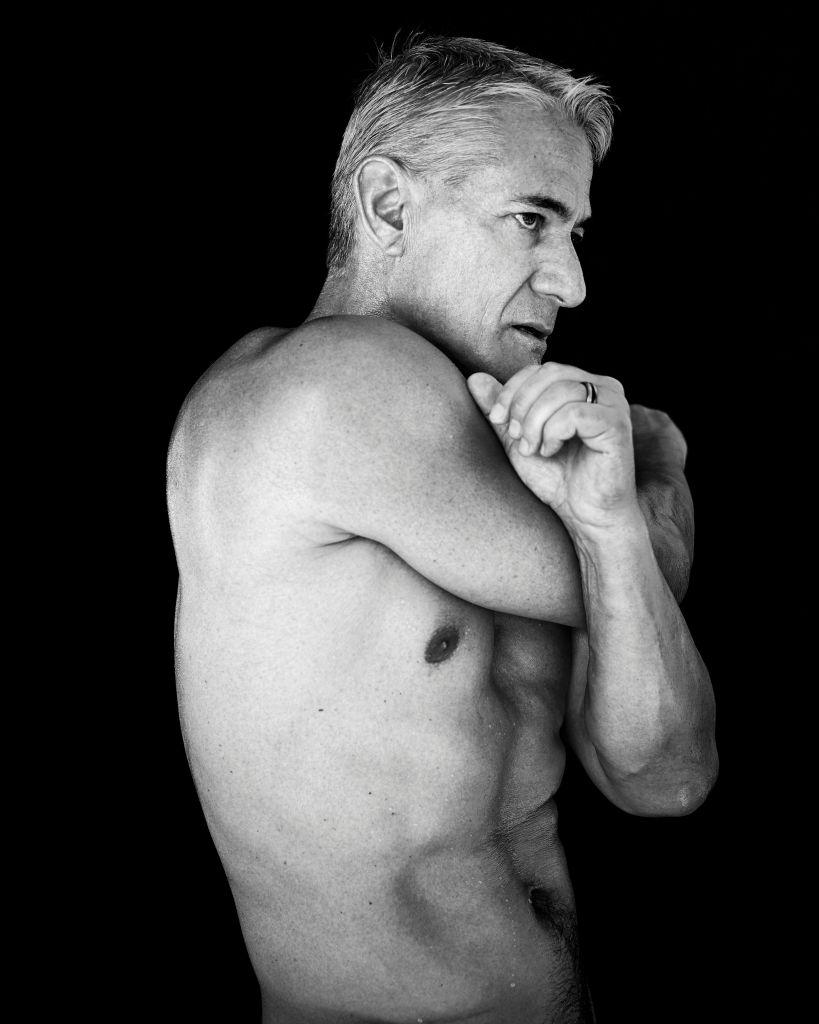 Greg Louganis, dublu campion olimpic la sarituri in apa, in '84 si '88. Are 56 de ani!