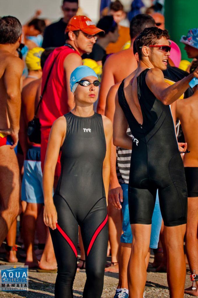 (c) AquaChallenge Casca de inot este de cele mai multe ori in kitul de participare la concursuri.
