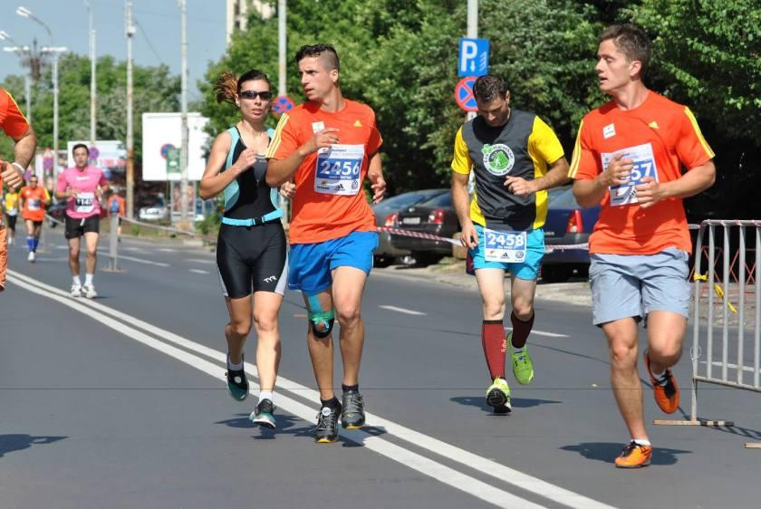 (c) Adrian Stoicescu Cum recunosti triatlonista la semimaraton? #trisuit