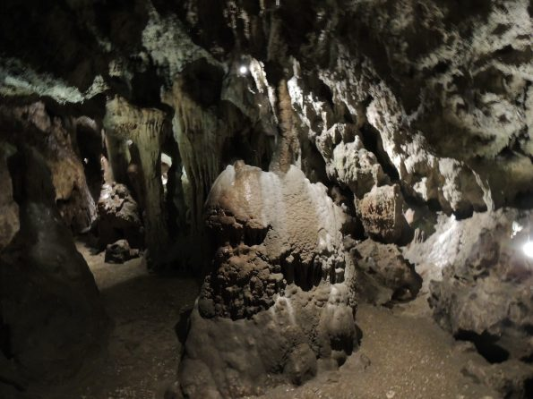 L'interno della Grotta della Zinzulusa