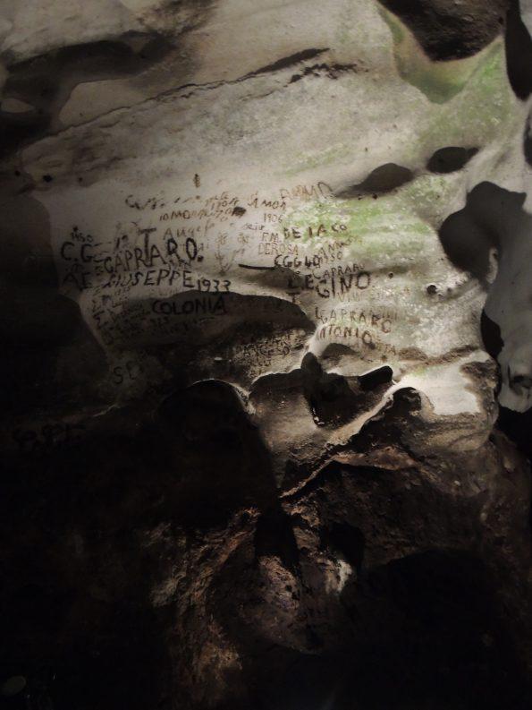 Il Duomo, Grotta della Zinzulusa