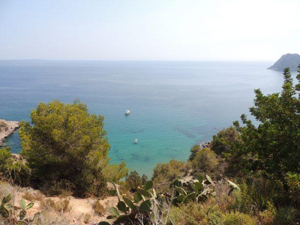 La vista su Playa Es Cubell
