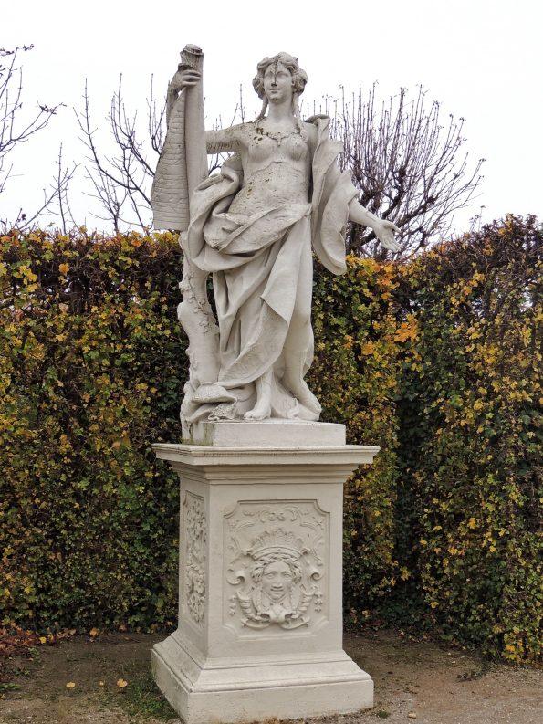 Una delle Muse del giardino del Belvedere