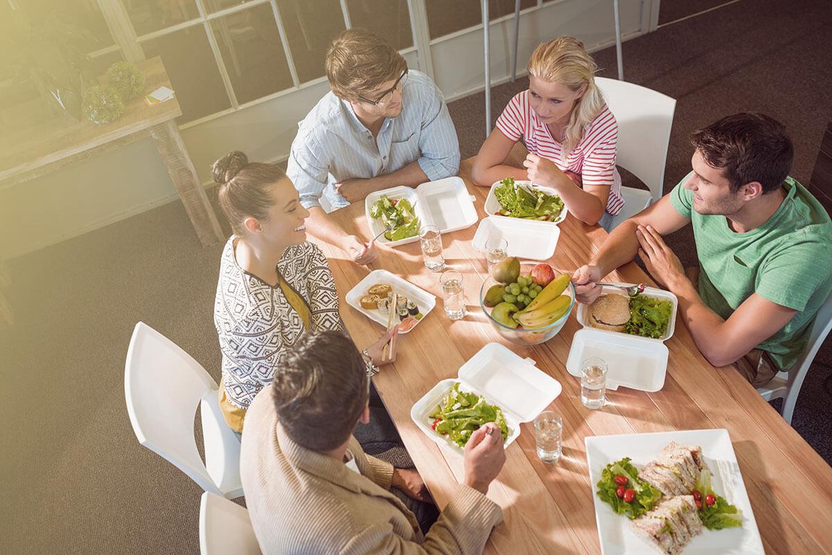 3 Tips Makan Sehat Di Waktu Siang Untuk Para Pekerja Kantoran