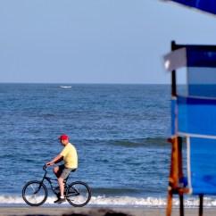 Beach Chair Rental Isle Of Palms Ergonomic Hip Flexors About Us Iop