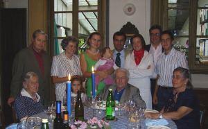Araldica cognomi, cognomi nobili italiani, Alessandro appena nato con la sorella Antonietta e la madre famiglia Bassi, discendenti Manzoni, discendenti Monti, storia Trezzo sull'Adda