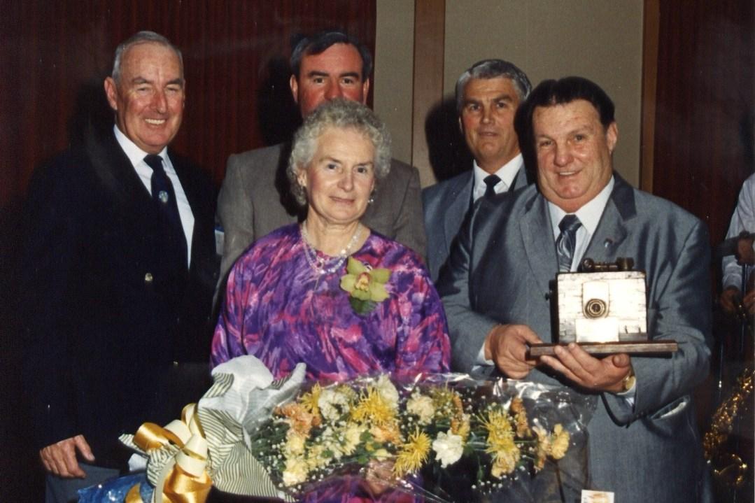 GibStuart-1989-LJMA