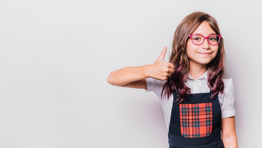 ¿Cuáles son los signos de problemas visuales en los niños?