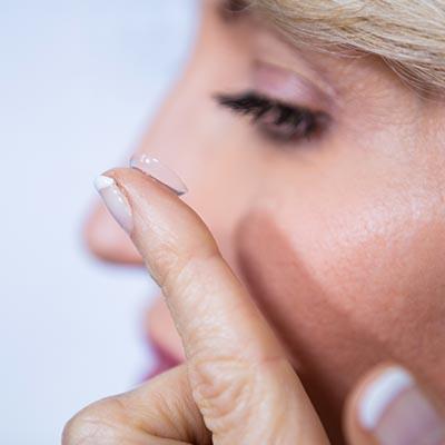 Presbicia. Enfermedades y tratamientos para los problemas oculares por el Instituto Oftalmológico Recoletas.