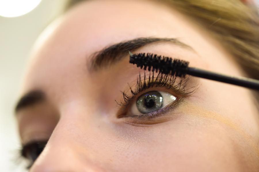 Problemas de dermatitis con el maquillaje. Instituto Oftalmológico Recoletas. IOR