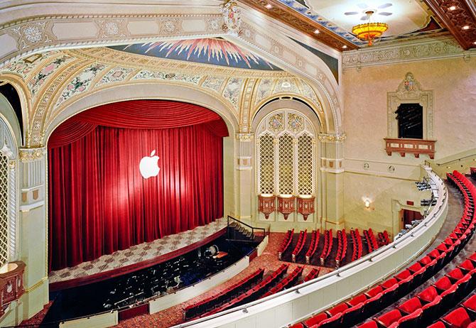 Apple decora el Teatro California