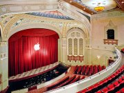 Apple decora el Teatro California