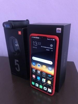 Xiaomi Mi Note 10 y Xiaomi Mi Band 5
