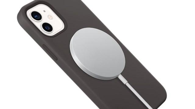 MagSafe en un iPhone 12