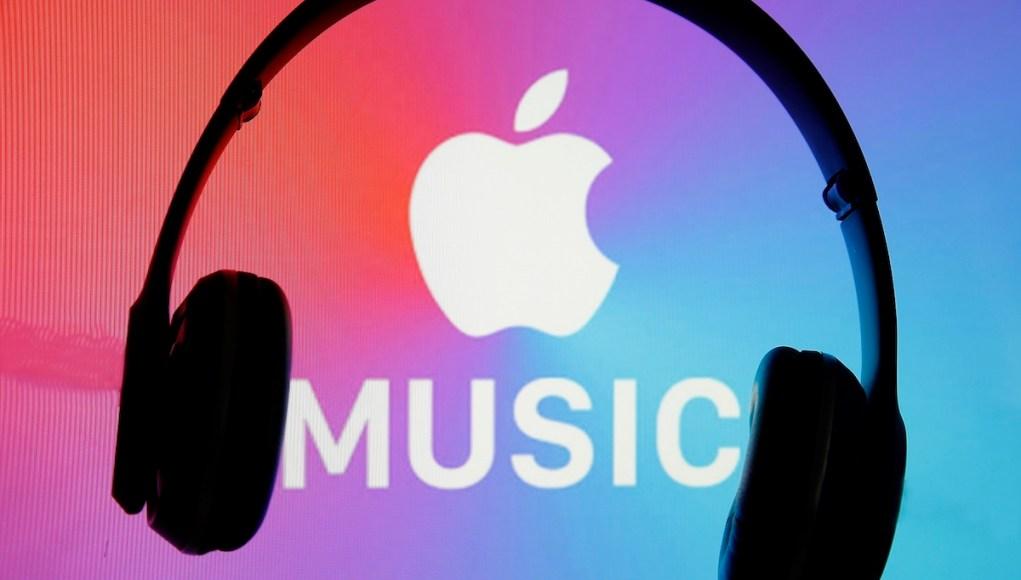 Apple Music con audifonos