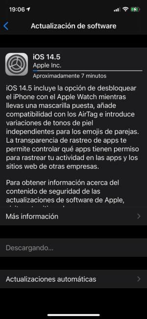Descargando iOS 14.5