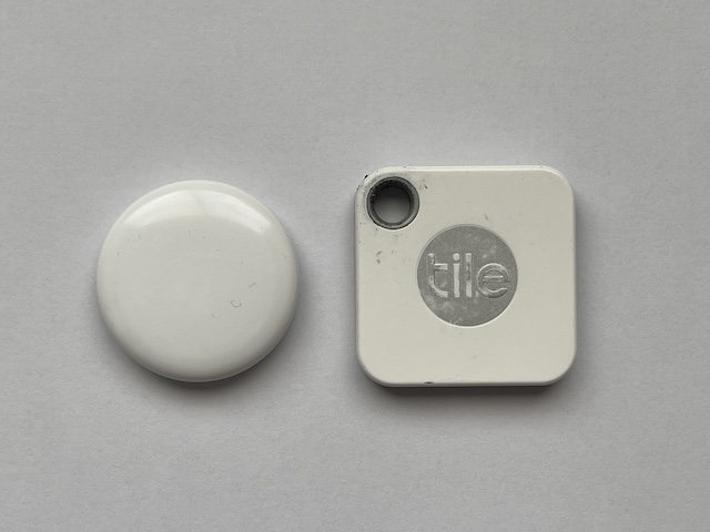 Apple AirTag vs Tile